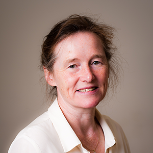 Dr Tessa Lewis